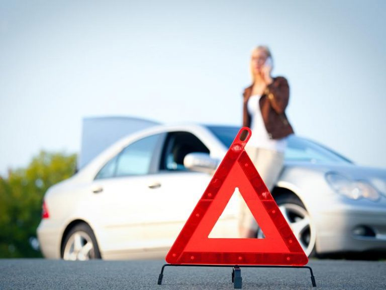 Importance of Roadside Assistance in Critical Situations