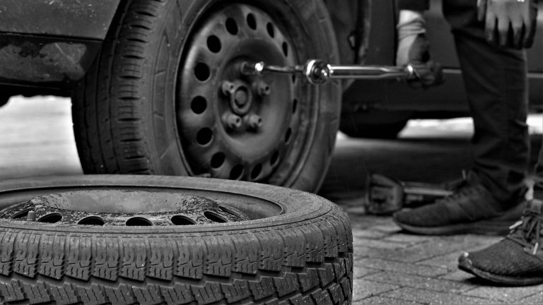 Latest Trends In Tyres Repair Tools And Its Uses