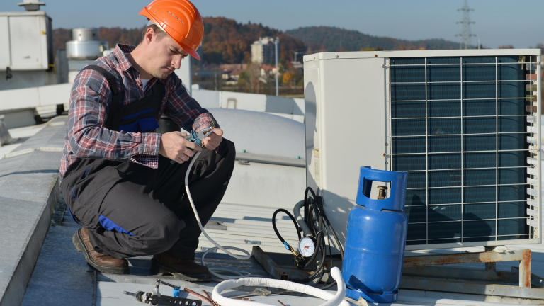 Commercial Air Conditioning Maintenance – A Complete Guide