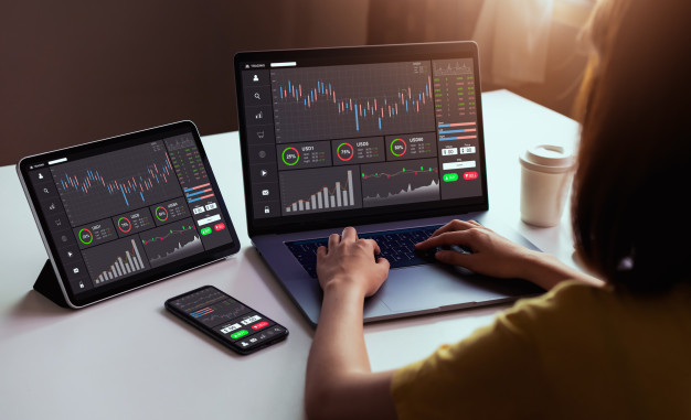 How does CFDs trade differ from regular trade and what are the benefits?